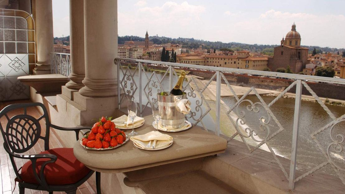 Royal Suite at St Regis Florence 3